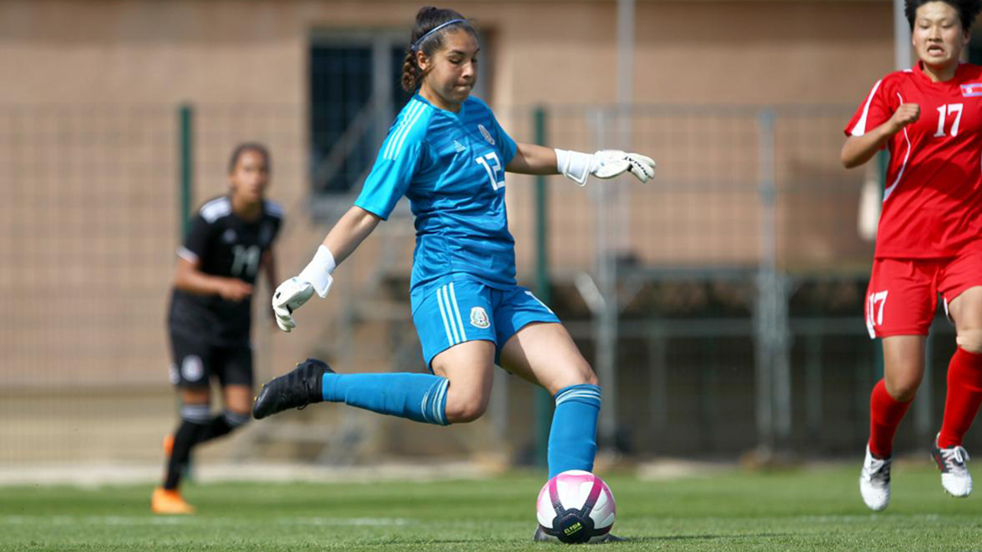 Eku Goalkeeper Zoe Aguirre Called Up To Training Camp With